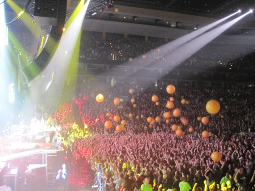 "Balloons on the reprise of ""Can't Hold Us."" The last song of the night."