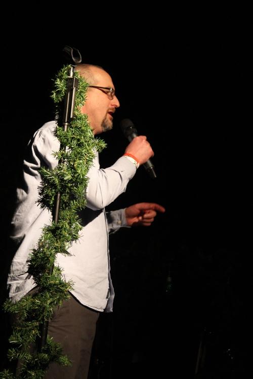 WCLZ's Ethan Minton introducing Carbon Leaf