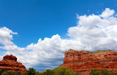 Stunning red rocks outside Sedona, Arizona. Day one of the road trip!