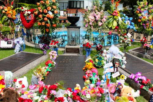 A beautiful outpouring of love for Elvis at his gravesite. Really liked Graceland.