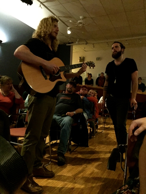 Unplugged encore on the floor